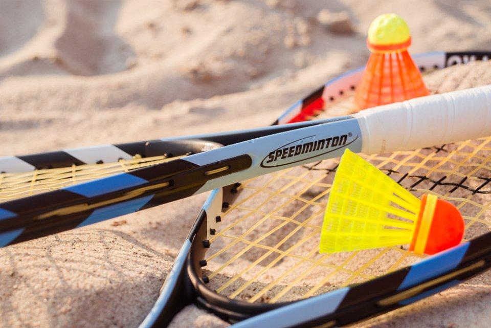 クロスミントン テニス+バドミントンの爽快感溢れるスポーツ